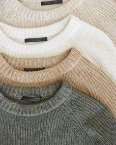 Winter Outfits, Casual Outfits, Cute Outfits, Fashion Outfits, Clothing Photography, Sweater Weather, Cashmere Sweaters, Capsule Wardrobe, Winter Fashion