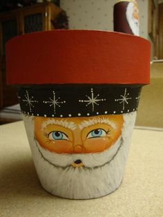 such a nice face! Flower Pot Art, Clay Flower Pots, Flower Pot Crafts, Painted Pavers, Painted Clay Pots, Painted Flower Pots, Clay Pot Projects, Clay Pot Crafts, Holiday Crafts