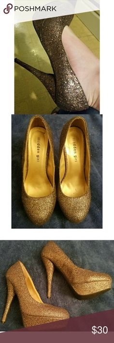 *PRICE DROPPED* Madden Girl Glitter Pumps Perfect condition, no scruffs or scratches, only worn once! There is a little bit of residue due to the size stickers inside the shoe, but I will try my best to clean it off before shipping. They appear to be silver, but the glitter shines multi-colored. The heels are around 5 inches, too high for me, but I'm sure someone else would love them 💕 does not come with original box. Would look adorable for homecoming! 😊 Madden Girl Shoes Heels