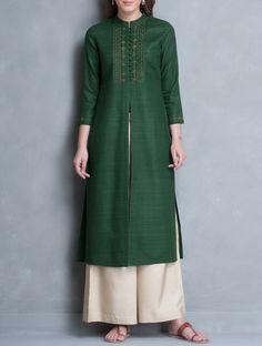 Jaypore is about bringing the world a little closer together. India Fashion, Muslim Fashion, Hijab Fashion, Fashion Outfits, Kurta Designs Women, Blouse Designs, Dress Designs, Indian Designer Outfits, Designer Dresses