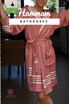 0a37111a9cd This comfortable soft hamam bathrobe with hood is made of hamam towel  fabric. Finely woven