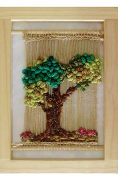 Telar Artístico Decorativo - Clases - Sol Telar Weaving Textiles, Weaving Art, Tapestry Weaving, Loom Weaving, Hand Weaving, Handmade Crafts, Diy And Crafts, Arts And Crafts, Weaving Wall Hanging