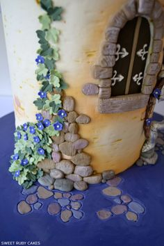 Rapunzel Cake by Sweet Ruby Cakes     TheCakeBlog.com