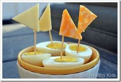 Bedtime #snacks from @superhealthykids like these #cheese egg boats are cute and yummy!