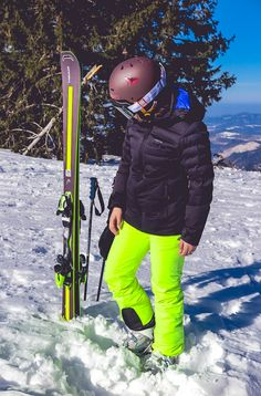 WEEKEND GETAWAY: SNOW GLOW | DARIADARIA Weekend Getaways, Joyful, Glow, Winter Jackets, Friends, Fashion, Ski, Daughter, Winter Coats