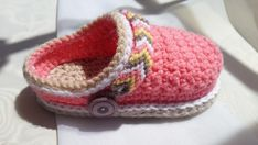 Someone found for: crochet baby obstructions!, see lots and lots of handmade, vintage, and special merchandise and presents associated with each of your look. Create a few of these adorable Baby Shoes Crochet Patterns. A great addition to a baby gift. Pattern Baby, Crochet Shoes Pattern, Shoe Pattern, Crochet Baby Booties, Baby Patterns, Crochet Patterns, Crochet Ideas, Crochet Hook Sizes, Crochet Hooks