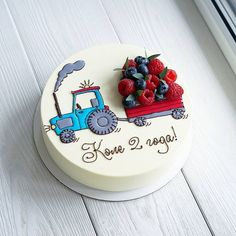 Another representative of the vehicle with berries🚜😊. 🌿 Assortment and prices here 👉 Cooking Cake. Baby Birthday Cakes, Baby Cakes, Pretty Cakes, Cute Cakes, Food Cakes, Fondant Cakes, Cupcake Cakes, Decoration Patisserie, Strawberry Cakes
