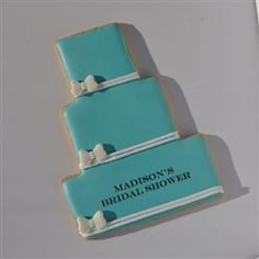 Fifth Avenue Wedding Cake Cookie Inspired by Tiffany Tiffany Wedding Cakes, Tiffany Birthday Party, Tiffany Blue Weddings, Tiffany Theme, Azul Tiffany, Candy Bar Party, Party Party, Wedding Cake Cookies, Paint Cookies