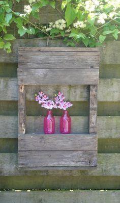 Leuk pallet kastje, met 1 plank. Leuk voor in mijn tuin. van echt authentiek pallet hout.