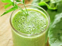 25 detox smoothies -- because you can never have too many recipes....