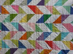 """happy days"" quilt, duotone parallelograms in simple solid colors & whites, made by teje hannah"
