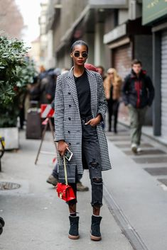 New denim trends may pop up every year, but that's no reason to ditch a pair you love. Here are 20 ways to make the tried-and-true jeans in your closet feel fresh. Milan Fashion Week Street Style, Cool Street Fashion, Outfit Jeans, True Jeans, Striped Turtleneck, Denim Trends, Models, Straight Leg Pants, Jean Outfits