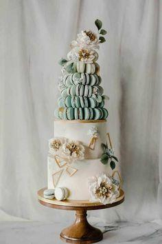Elegant Customized Cakes in Singapore by Winifred Kristé Cake country chocolat mariage cake cake country cake recipes cake simple cake vintage Black Wedding Cakes, Unique Wedding Cakes, Beautiful Wedding Cakes, Wedding Cake Designs, Beautiful Cakes, Unique Weddings, Floral Wedding Cakes, Cake Wedding, Fondant Wedding Cakes
