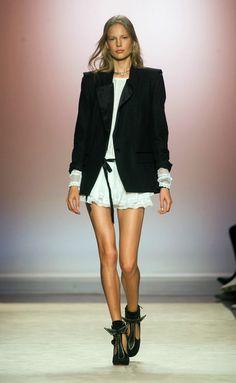 Isabel Marant at Paris Fashion Week Spring 2014 - Runway Photos Fashion Week, Love Fashion, Runway Fashion, High Fashion, Fashion Show, Fashion Design, Fashion Trends, Paris Fashion, Fashion Models