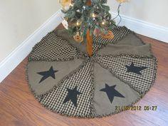 Raggy Primitive Christmas Tree Skirt by kbardo on Etsy, $48.00