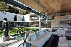 De Wet 34 by SAOTA and OKHA Interiors | HomeDSGN, a daily source for inspiration and fresh ideas on interior design and home decoration.