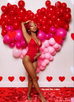 Glam Photoshoot, Photoshoot Concept, Photoshoot Themes, Photoshoot Inspiration, Cute Birthday Pictures, Birthday Photos, Birthday Ideas, Birthday Captions, Birthday Outfits