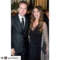 #Repost @portillasco_ with @repostapp  #FotoNueva // @Anahi y @velascom_ en la boda de Alejandro Valladares y Miriam Huber (Hola Mexico) // #AnahiyManuel