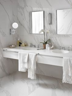 Corian sinks – unique sinks that combine style and functionality - Decoration 4 White Marble Bathrooms, Tiny Bathrooms, Luxury Bathrooms, Modern Bathroom Design, Bathroom Interior Design, Modern Design, Bathroom Basin, Double Sink Bathroom, Double Sinks