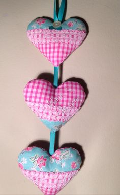 DIY hanging hearts band made with some left over pink gingham and green flower fabric, and lace. Hand sewn and stuffed, made by me girl_greg ❤️