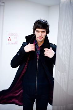Ben Whishaw LOOKS AWESOME IN A CAPE!!!