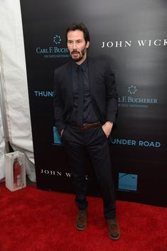 Keanu Reeves Photos Photos - Actor Keanu Reeves attends the 'John Wick' New York Premiere at Regal Union Square Theatre, Stadium 14 on October 13, 2014 in New York City. - 'John Wick' Premieres in NYC