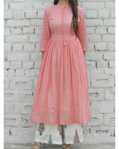 Pink Gathered Tunic And Pink Leaf Print Flared Pants SetPeach Gathered Tunic with booti palazzo set Simple Kurti Designs, Stylish Dress Designs, Kurta Designs Women, Designs For Dresses, Stylish Dresses, Simple Dresses, Blouse Designs, Indian Designer Outfits, Designer Dresses