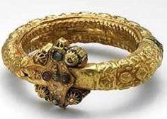 Elegant Egyptian Jewelry