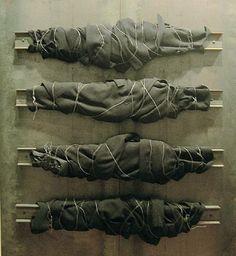 colour pallet, canvas, string, the stretcher Jannis Kounellis