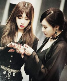 Girls Generation Tiffany & Taeyeon