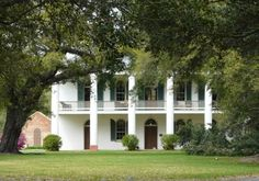 Chretien Point Plantation   This plantation was built in 1831 by Hippolyte Chretien and has an interesting history. The pirate Jean Lafitte, a flamboyant gambler, was a frequent guest. Tales of pirates and buried treasure is also part of the plantation's history.