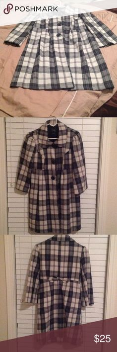 Cute Overcoat by My Michelle Light weigh plaid overcoat that has 3 big buttons down the front and a bow in the back. Great for any occasion dress up or down. My Michelle Jackets & Coats Pea Coats Occasion Dresses, Dress Up, Bow, Plaid, Buttons, Coats, Best Deals, Blouse, Womens Fashion