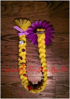 This listing is for a braid that is perfect to give out as a party favor or just to have for your little one to play dress up! I personally