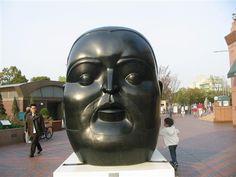 Escultura de Fernando Botero en Tokio (Japón).