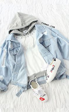 Shop Beige Contrast Drawstring Hooded Sweatshirt at ROMWE, discover more fashion styles online. Girls Fashion Clothes, Teen Fashion Outfits, Kpop Outfits, Swag Outfits, Girl Outfits, Womens Fashion, 80s Fashion, Cute Outfits For School, Cute Comfy Outfits