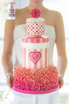 Sweetheart stripes from 'Simply Modern Wedding Cakes' cake decorating book by UK cake designer Lindy Smith