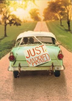 Vintage Car & Just Married Sign