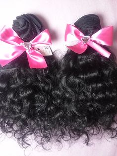 100% Virgin human hair extensions in a beautiful curly texture, this is a great look for those who love an amazing curl that is so easy to manage and quick, these extensions are Indian and can also be straightened, cut, dyed, and styled in any way and will always bounce back to their original texture once washed.