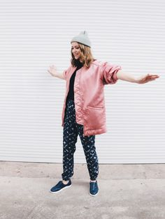 Oversized bomber makes me feel happy. #bomberjacket #outfit #streetstyle #pink #prints