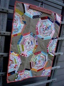 Free Tutorial - Spiderweb Selvage Quilt Tutorial by Jacquie Gering