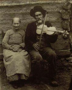 Appalachia fiddler and wife