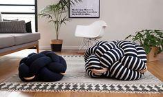 Израильская дизайн-студия Knots представила серию подушек для пола, которые…