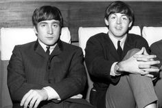 A letter John Lennon wrote toPaul McCartney and his late wife Linda will be up for auction this spring.