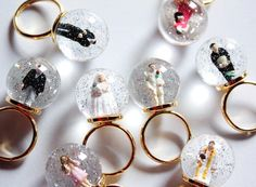 snow dome rings - ahhhh I want one!!!