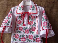 Trusou Botez Personalizat, Trusouri Botez, Hainute Botez, Lumanari ... Bell Sleeves, Bell Sleeve Top, Arts And Crafts, Women, Fashion, Embroidery, Moda, Fashion Styles, Art And Craft