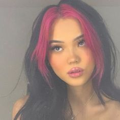 Hair Color Streaks, Hair Dye Colors, Two Color Hair, Short Hair With Color, Punk Hair Color, Fashion Hair Color, Trendy Hair Colors, Punk Rock Hair, Cute Hair Colors