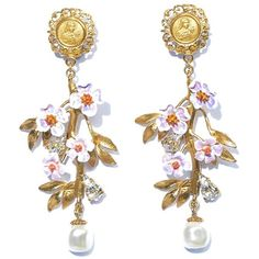 DOLCE & GABBANA Blossom flower and pearl earrings ($971) ❤ liked on Polyvore featuring jewelry, earrings, accessories, brinco, jewels, white, cameo earrings, pearl earrings, white earrings and clip earrings