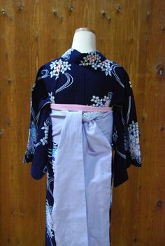 浴衣に合わせた帯結び*   きものショップ 古々屋 Yukata, Fashion Beauty, Kimono Top, Tops, Women, Kimonos, Woman