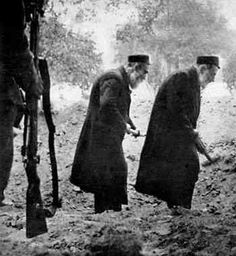 Digging the Jewish grave under a German eye, Poland (Fall 1939)pure unadulterated evil