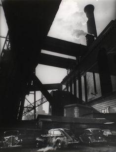 Berenice Abbott Consolidated Edison powerhouse, 666 1st Avenue, Manhattan. (1935-1938).